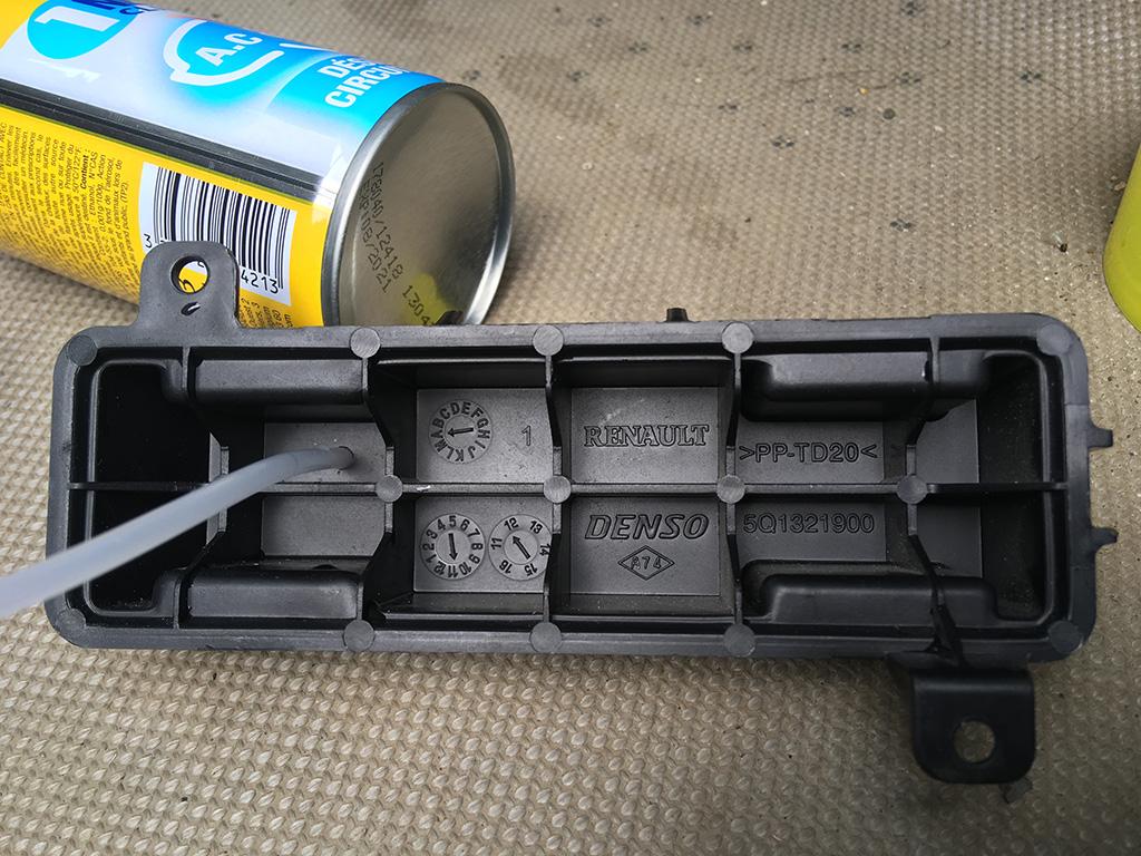 Comment nettoyer/désinfecter le circuit d'air de la climatisation ? IMG_2414